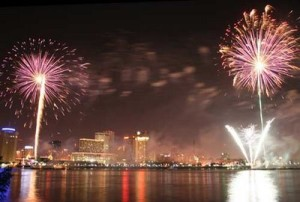 July 4th Fireworks New Orleans Go 4th on the River
