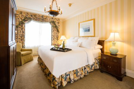 Hotel Monteleone Hotel Room: Traditional King