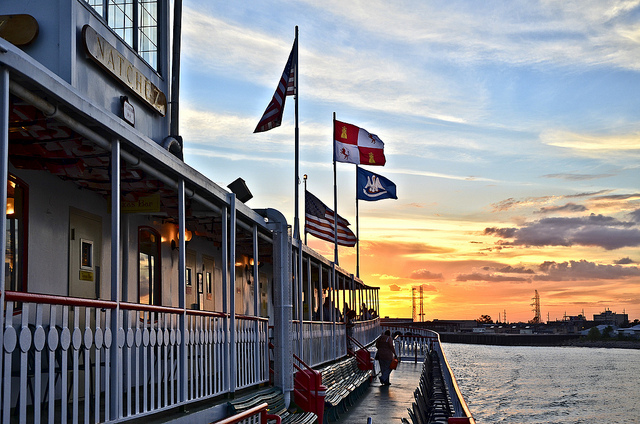 Steamboat-Natchez